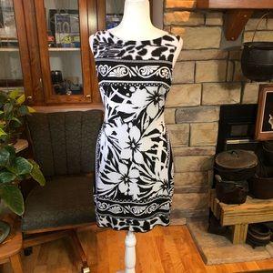 Cach'e size 10 sleeveless dress beautiful slimming